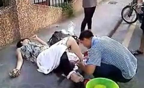 www.toppatogh.com | زایمان کردن باورنکردنی زنی در وسط خیابان!! +تصاویر