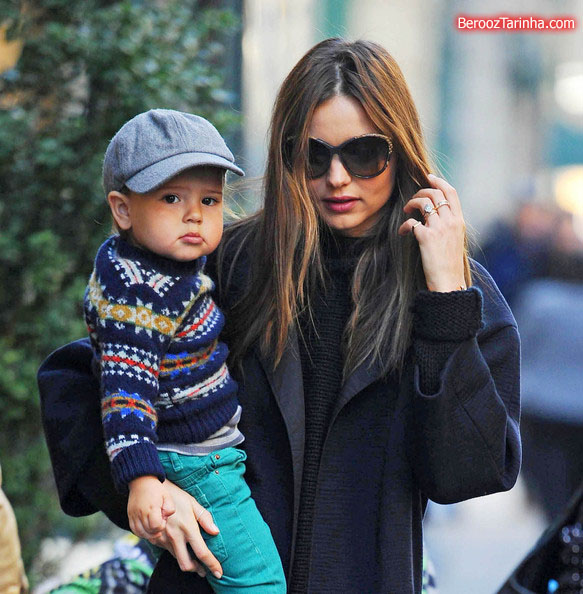 Miranda+Kerr makes 2 عکس های مدل مشهور جهان با پسرش