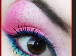 آموزش تصویری کشیدن سایه چشم به شکل توت فرنگی