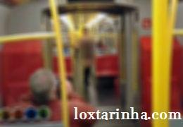 حرکت بسیار بد از یک زن در مترو + عکس
