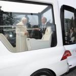 مرسدس بنز خودرو مخصوص پاپ را رونمایی کرد