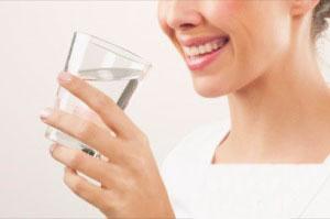 با این نوشیدنی طبیعی سموم بدن تان را دفع کنید و جوان شوید WWW.CAMPFA.IR
