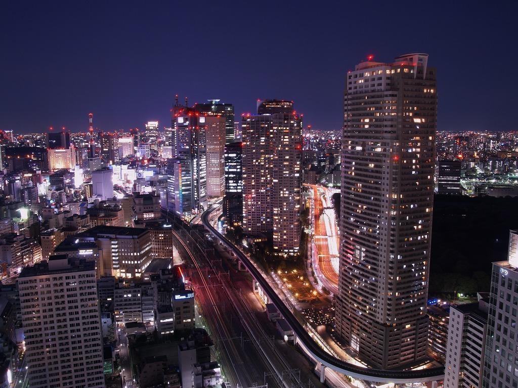 شهر در شب wWw.CampFa.ir