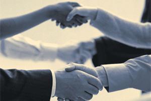 شخصیت شناسی براساس نحوه دست دادن شما! www.campfa.ir