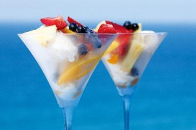 , نوشیدنی فصل تابستان,طرز تهیه کوکتل میوه های یخی
