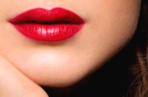 توصیه هایی برای یک آرایش لب زیبا - www.campfa.ir